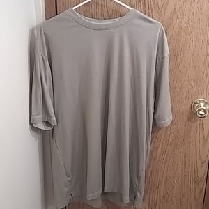 Vanheusen men's XL shirt